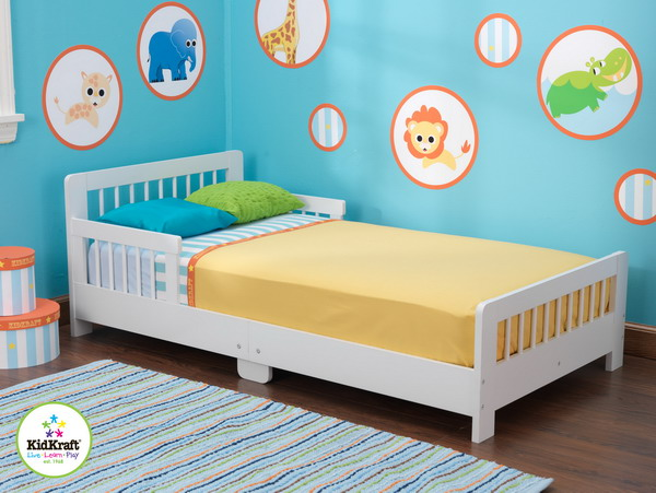 New White Wooden Kids Toddler Bed Slatted Low Crib